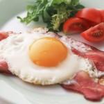 Как жарить яичницу