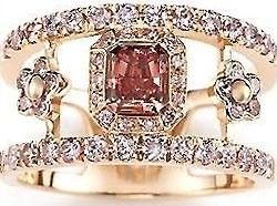 Помолвочное кольцо с бриллиантами