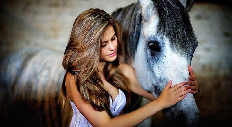 Как предложить девушке встречаться: прогулка на лошадях